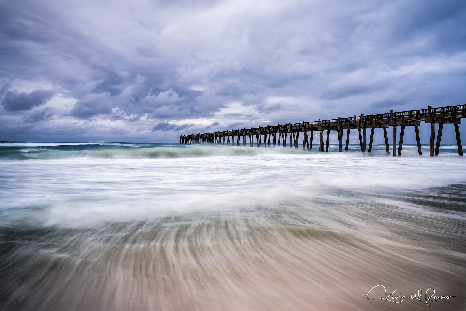 A different version with the waves creating leading lines.